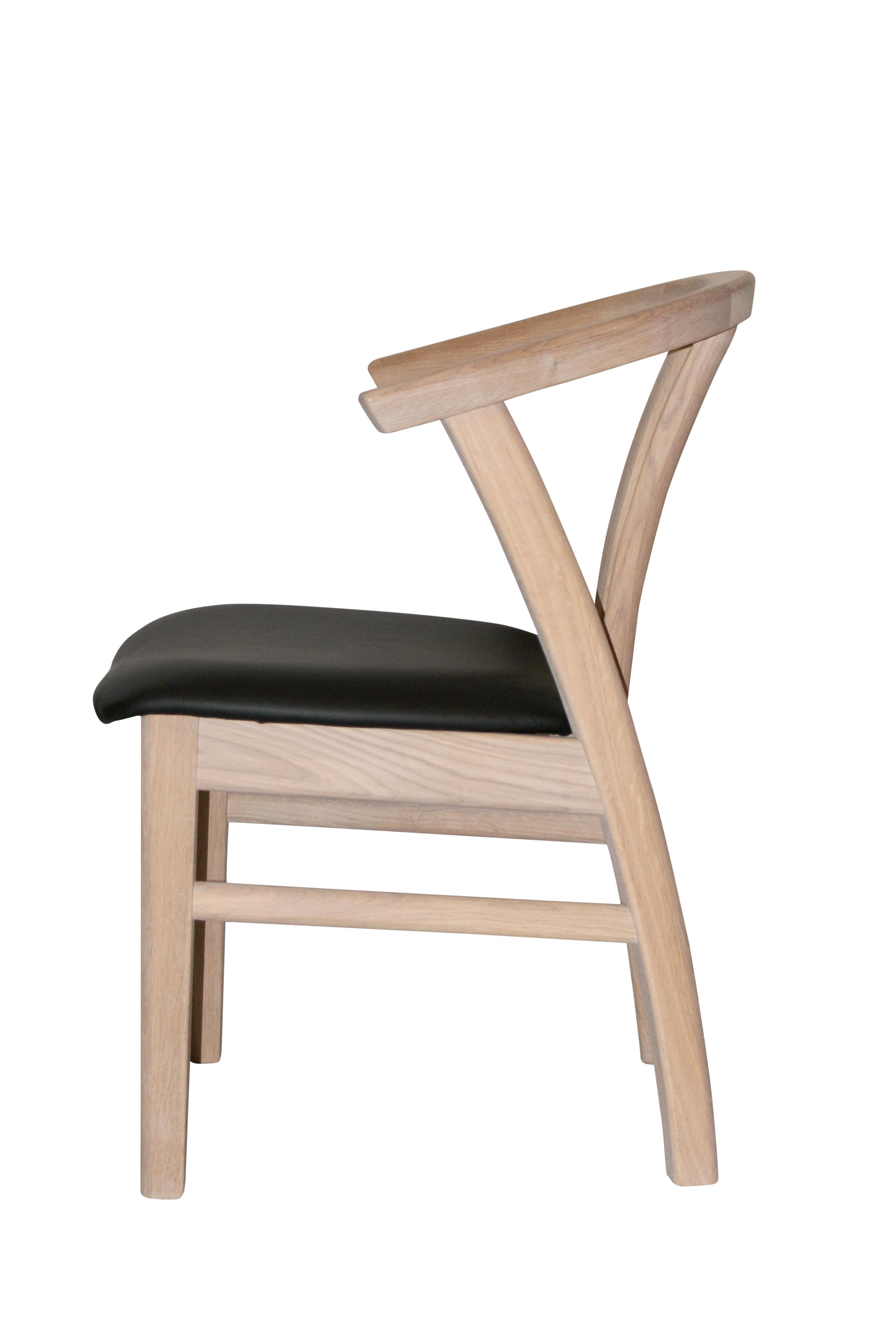 Trine armstol i massiv eg - meget robust og eksklusivt design